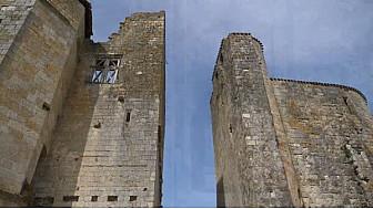 Village Fortifié de Larressingle #Gers @Occitanie #Tv_Locale @CrtOccitanie
